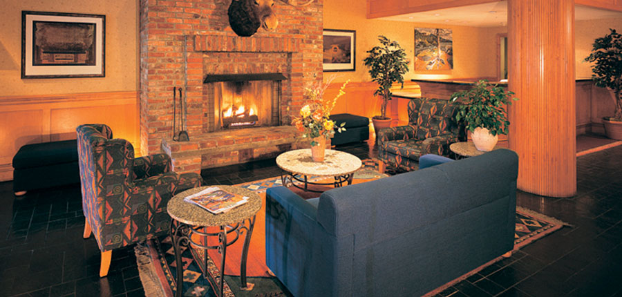 canada_whistler_whistler_village_suites_lounge.jpg